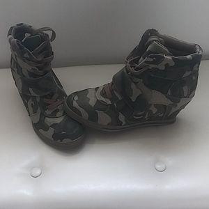 bucco Camouflage Heeled Sneakers